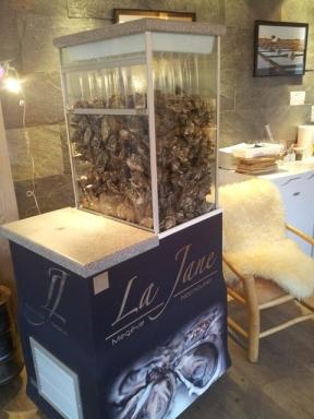 Les huîtres sont arrosées constamment à l'eau de mer