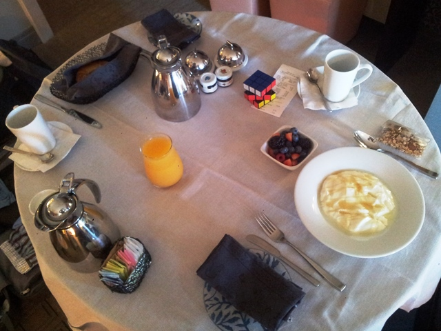 Petit déjeuner en room service