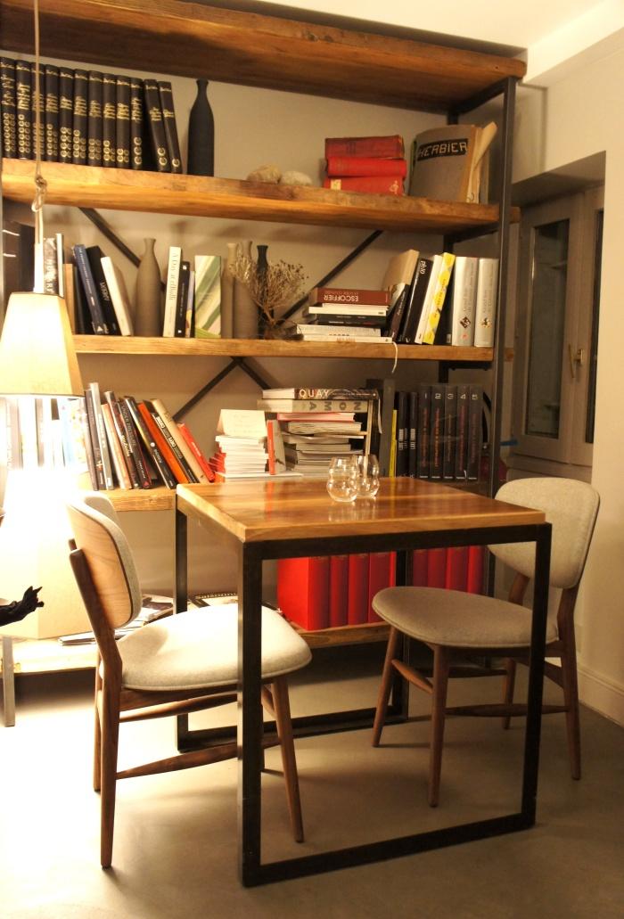 La petite salle à l'étage du restaurant, beaucoup plus intimiste