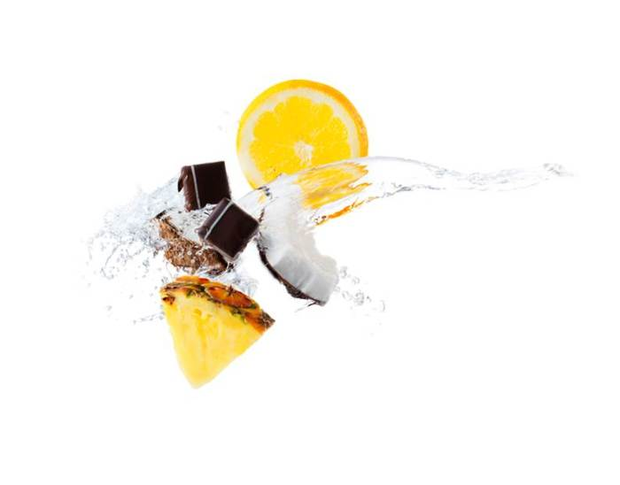 MOF² : ganache noire sans crème, pulpe d'ananas, pulpe et lait de coco, jus d'orange frais