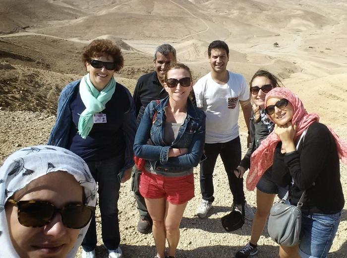 Selfie de notre groupe avec nos supers guides : Dafna et Ebrahim