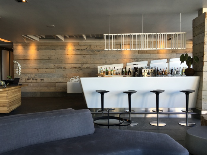 Pod_Camps_bay_boutique_hotel_bar_blog_ailleurs_is_better