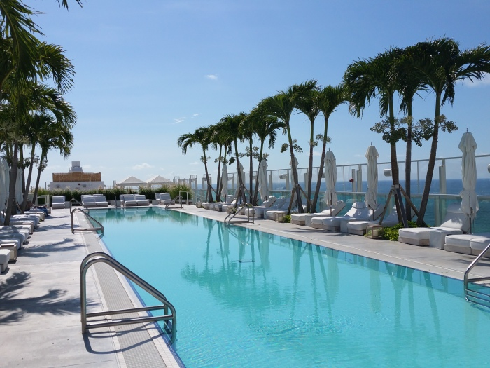 the_one_south_beach_rooftop_pool_blog__ailleurs_is_better_2