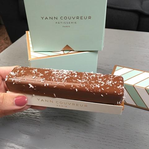 eclair_chocolat_coco_patisserie_paris_yann_couvreur