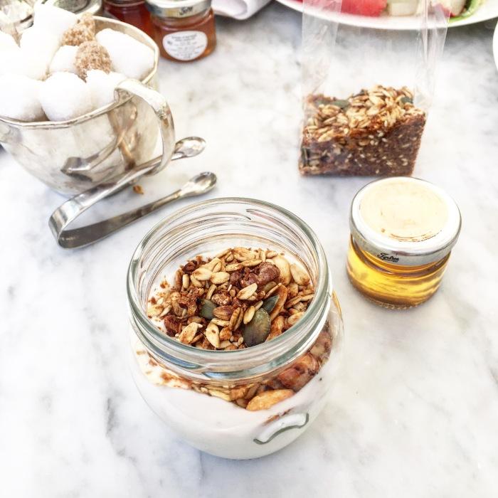 Norman_hotel_tel_aviv_breakfast_blog_voyage_ailleurs_is_better_best_granola