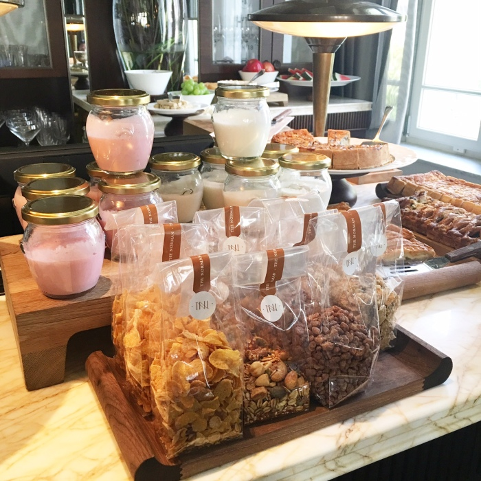 Norman_hotel_tel_aviv_breakfast_blog_voyage_ailleurs_is_better_cereales