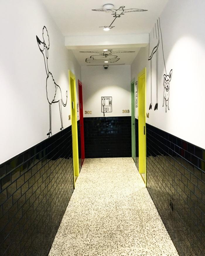 Cucu_hotel_Tel_Aviv_couloir_blog_voyage_ailleurs_is_better