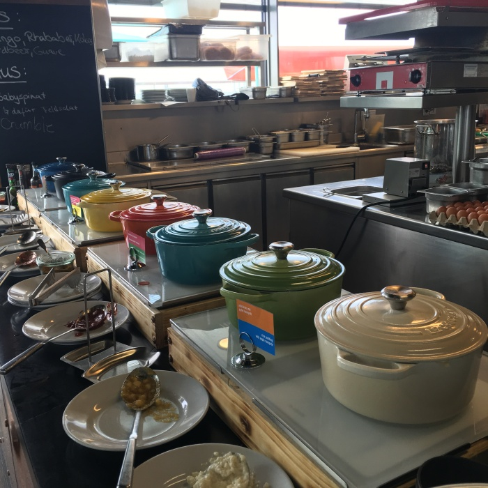 cocottes_le_creuset_25_hours_hotel_berlin_breakfast_blog_voyage